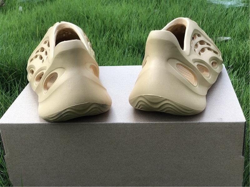Authentic Yeezy Foam Runner Slide Cream yellow