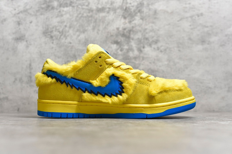 "Authentic Grateful Dead x Nike Dunk SB Low ""Yellow Bear"""